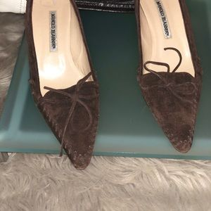 Manolo Blahnik Classic Chocolate Suede Oxford pump